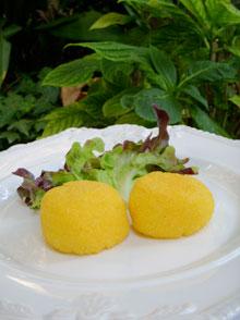 Polpette de polenta à la mozzarelle & basilic