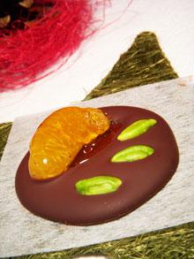 Mendiants au chocolat noir, pistaches & clémentines caramélisées