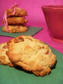Cookies à la purée d'amandes, malt de maïs & fraises séchées … P'tit essai