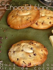Cookies au chocolat blanc, purée de noix de cajou & grué de cacao