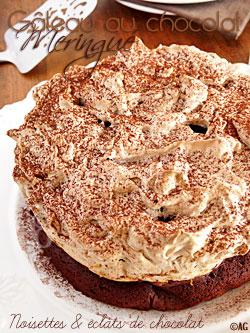 Gâteau au chocolat meringué … Noisettes & éclats de chocolat … Ooooh !