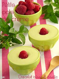 Petits pots de crème au chocolat blanc & basilic