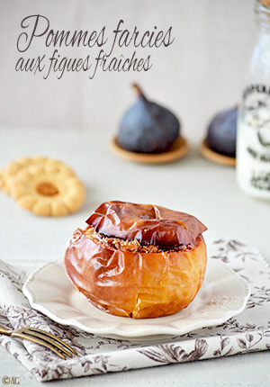 Pommes au four, farcies aux figues fraîches, pignons & raisins secs