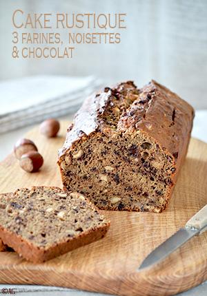 Cake rustique aux 3 farines, noisettes & chocolat
