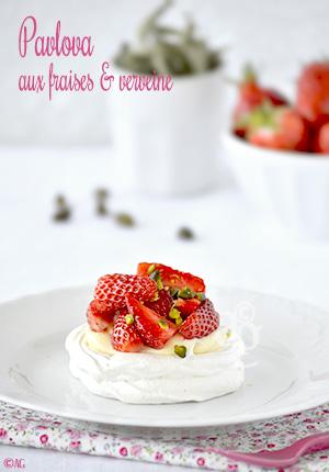 Pavlova aux fraises & verveine