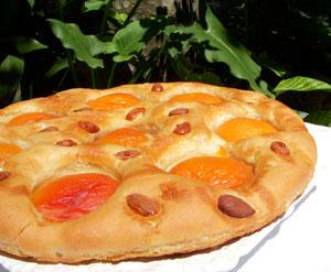 Focaccia aux abricots, amandes & miel