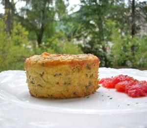 Flan de polenta à la ricotta, courgettes & chèvre
