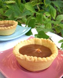 Tartelettes aux amandes, chocolat & caramel crémeux de Carambars … la dernière …