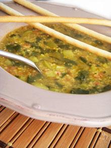 Soupe aux courgettes, épinards & polenta façon minestrone