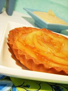Tartelettes aux poires caramélisées & crème d'amandes … légère