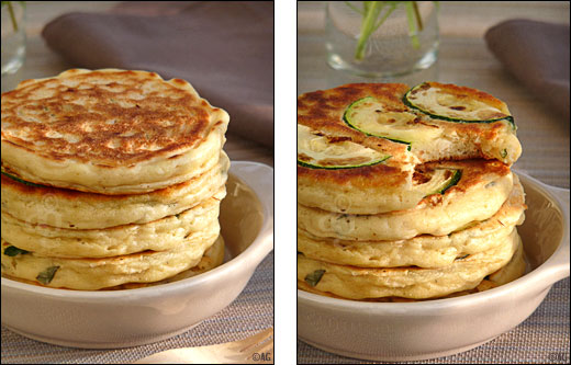 pancakes au riz, basilic et courgettes