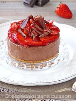 Cheesecake au chocolat noir & fraises (sans cuisson)