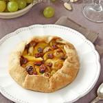 Galettes aux pêches & deux raisins (tartelettes rustiques)