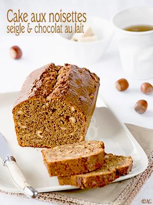 Cake aux noisettes, seigle & chocolat au lait