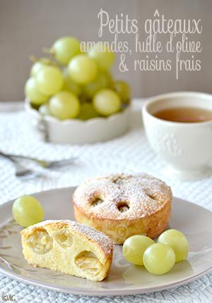 Petits gâteaux aux amandes, huile d'olive & raisins frais