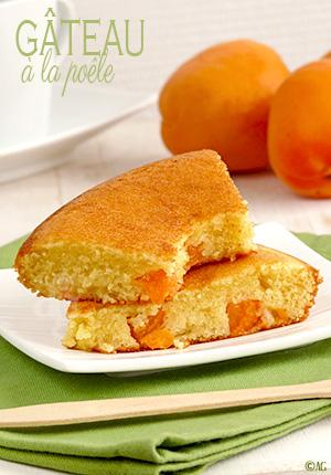 Le gâteau à la poêle de Yummy Magazine – Abricots & fleur d'oranger