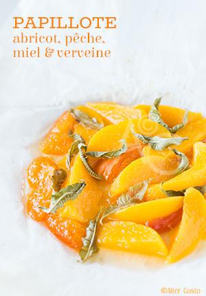 Papillote d'abricot, pêche, miel & verveine