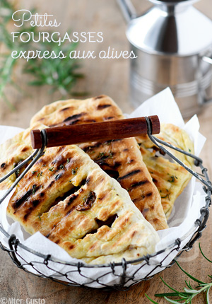 Petites fougasses express aux olives (cuisson au grill)