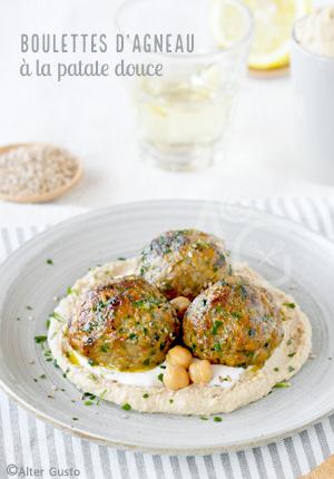 Boulettes d'agneau à la patate douce & simple houmous