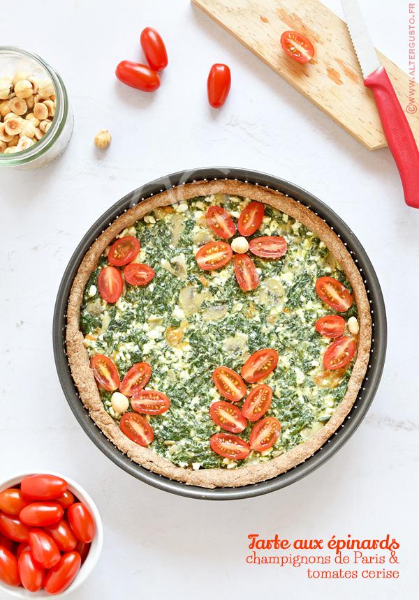 Tarte aux épinards, champignons de Paris & tomates cerise